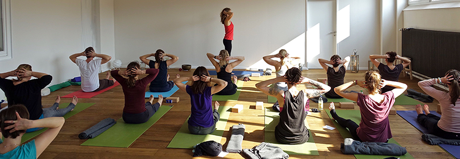 yoga essence - Anusara® Yoga in Kiel der Blick ins Studio